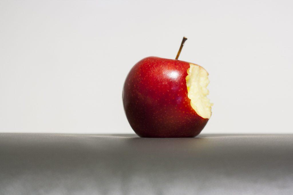 りんごをデッサンすると人物画もうまく描ける!