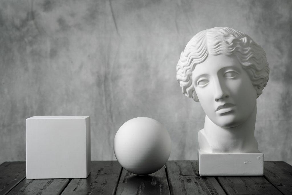 デッサンで石膏像を描く時の考え方とは?